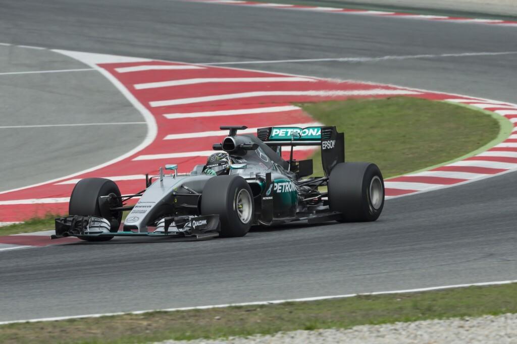 Nico Rosberg prueba los neumáticos de 2017 en Barcelona