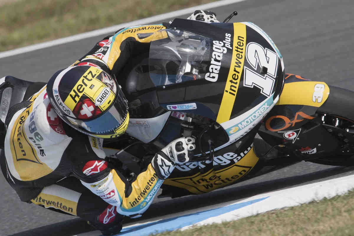 Luthi se lleva una accidentada pole de Moto2