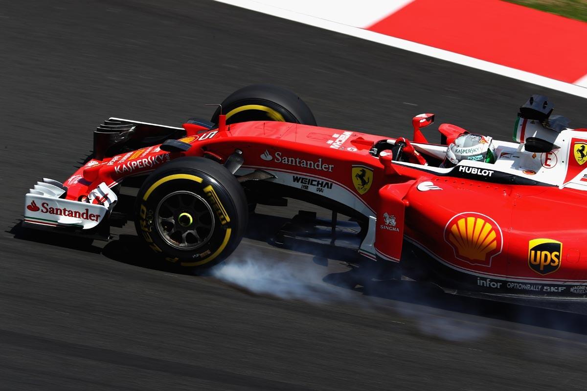 Vettel frenando