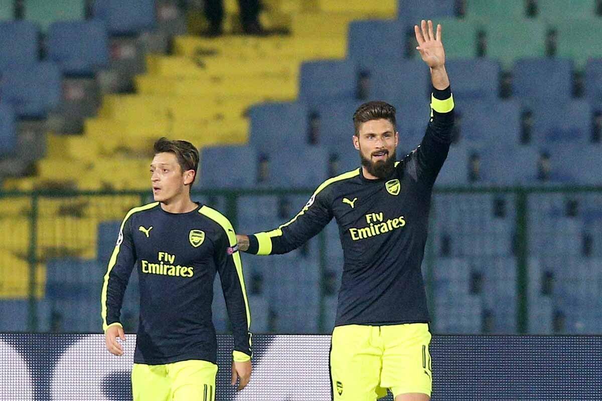 Özil y Giroud