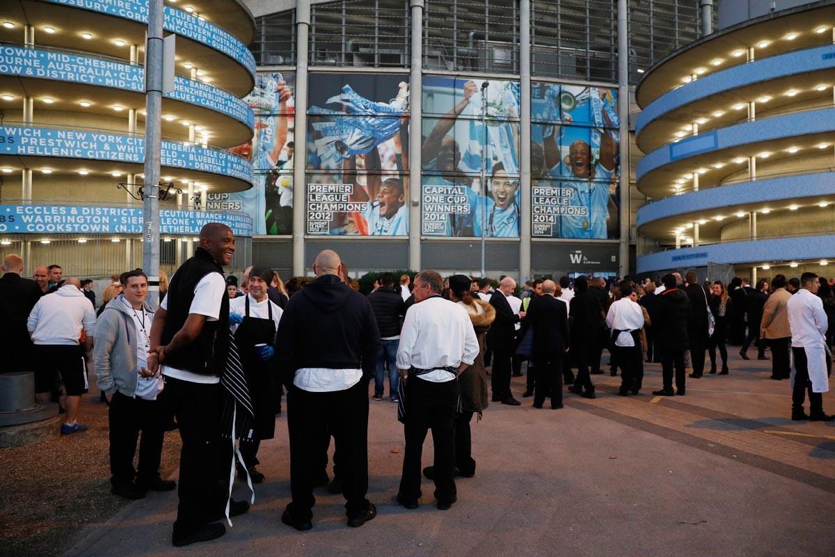 Etihad Stadium evacuado