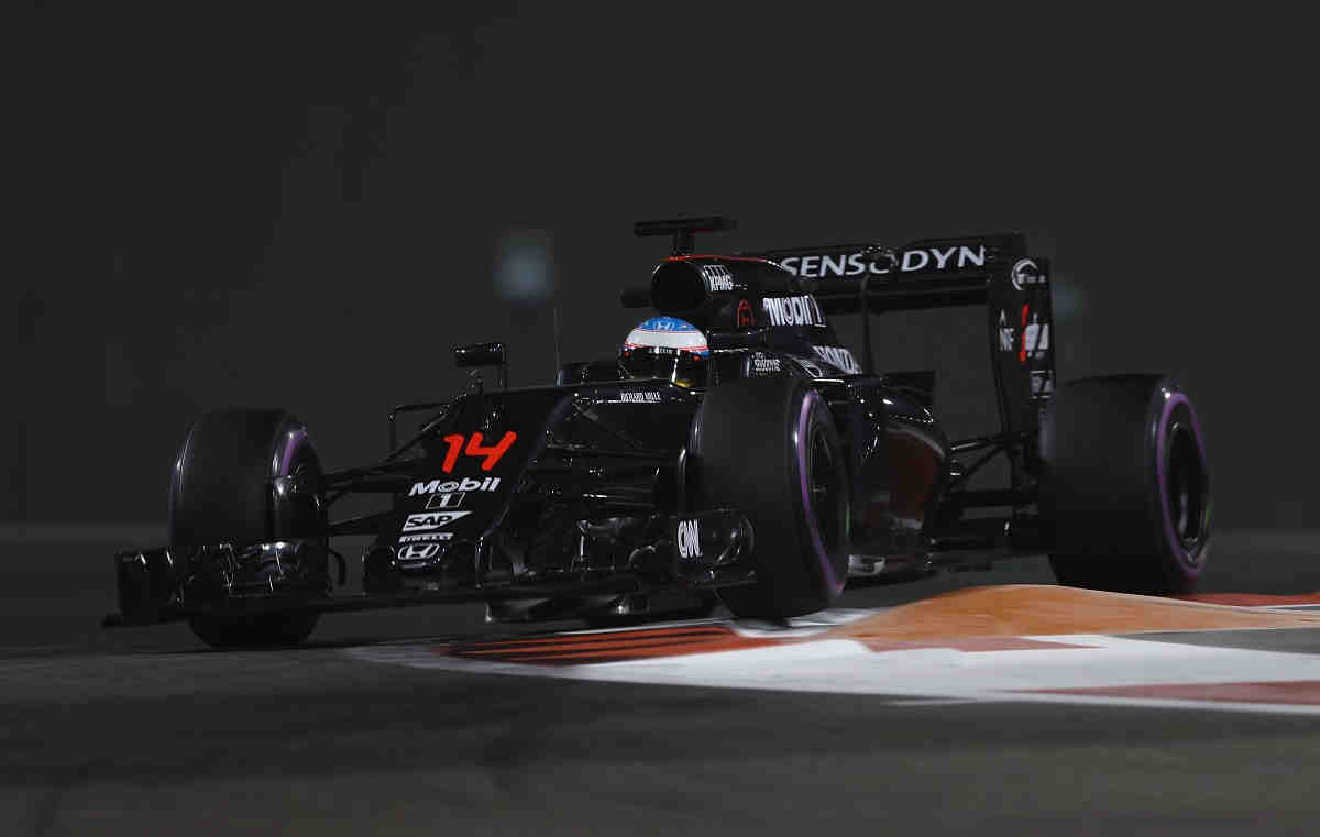 Alonso, el piloto con mejor rendimiento de 2016 según un estudio