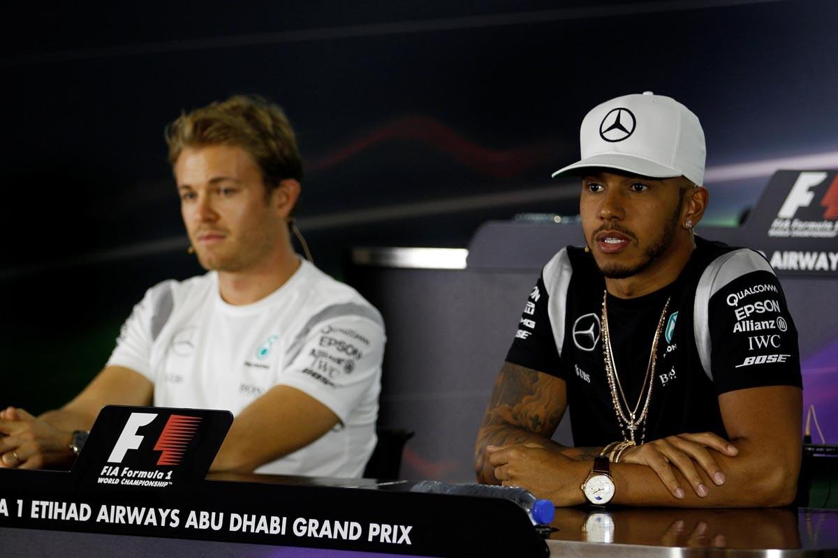 Lewis Hamilton y Nico Rosberg en rueda de prensa