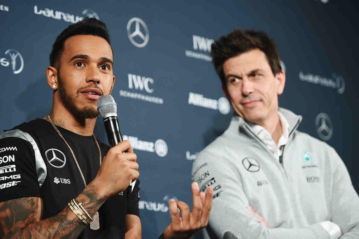 Hamilton, nuevo desafío a Mercedes tras ignorar las órdenes de equipo