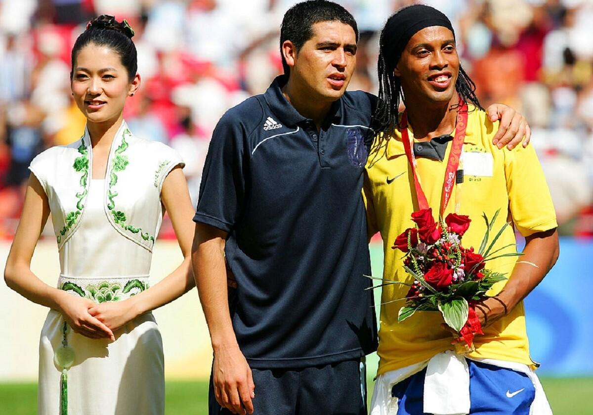 Riquelme y Ronaldinho juntos por una buena causa