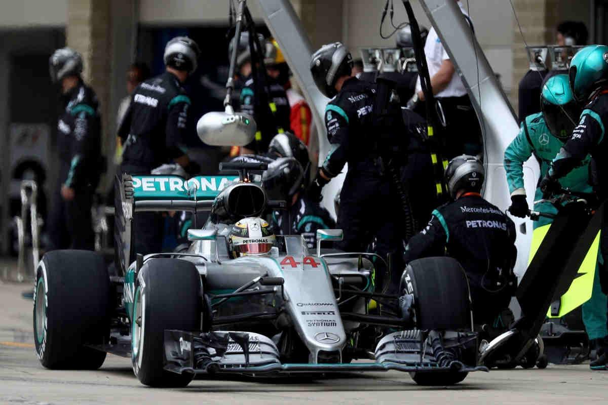 """Hamilton avisa a Mercedes: """"No quiero que cambien mis mecánicos"""""""