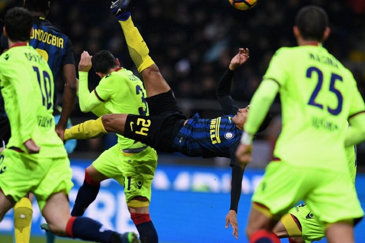 Jeison Murillo marcó un gol de chilena con el Inter de Milán
