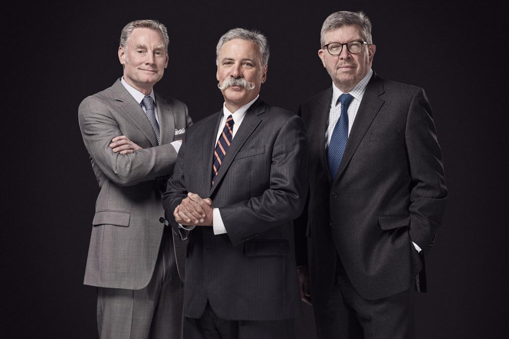 Sean Bratches, Chase Carey y Ross Brawn
