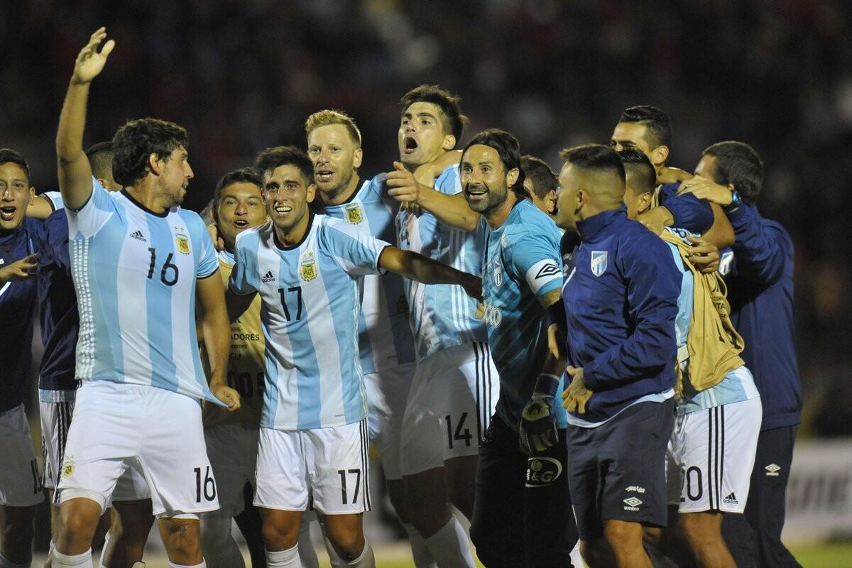 Atlético Tucumán ganó en Ecuador