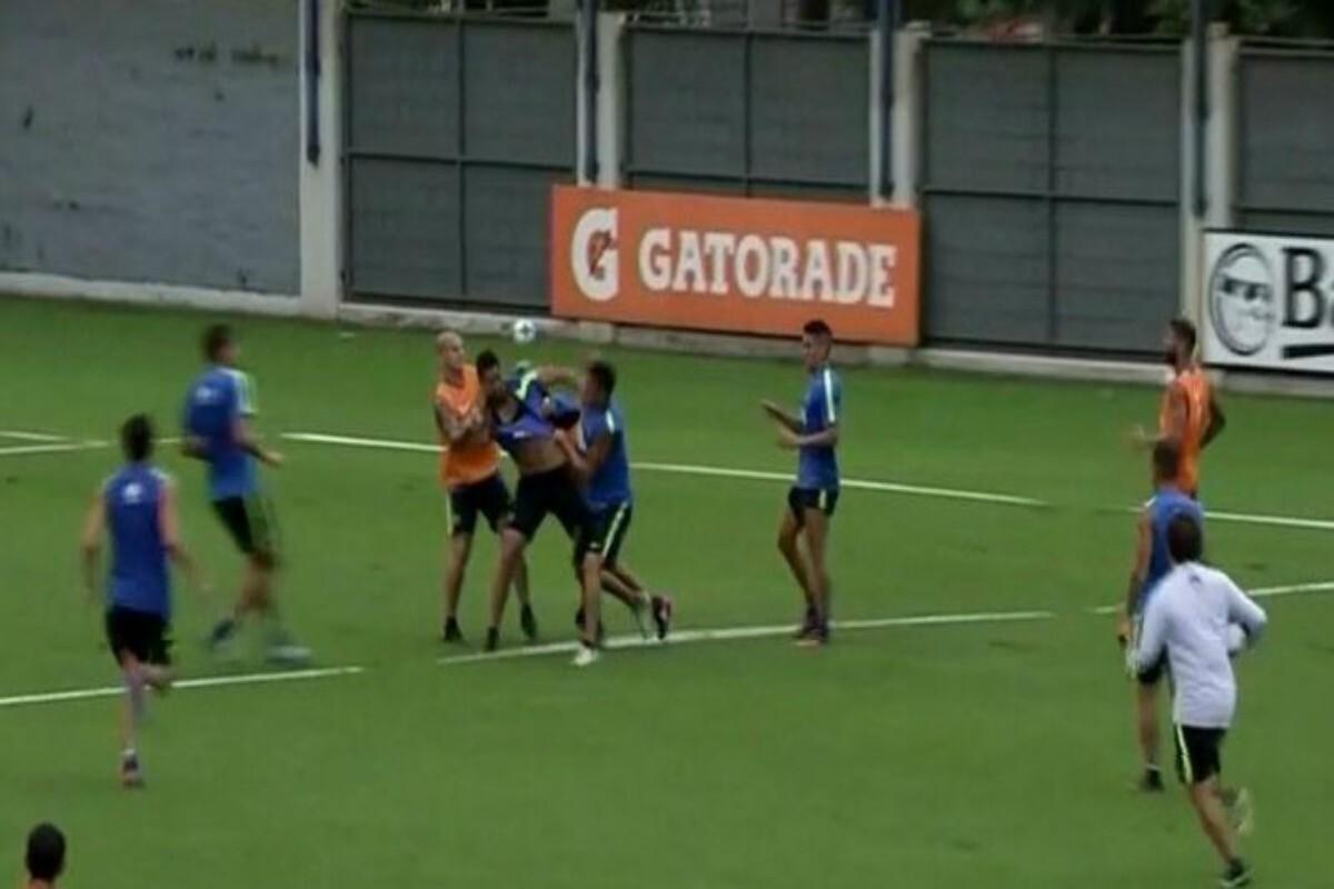 Pelea en el entrenamiento de Boca Juniors entre jugadores
