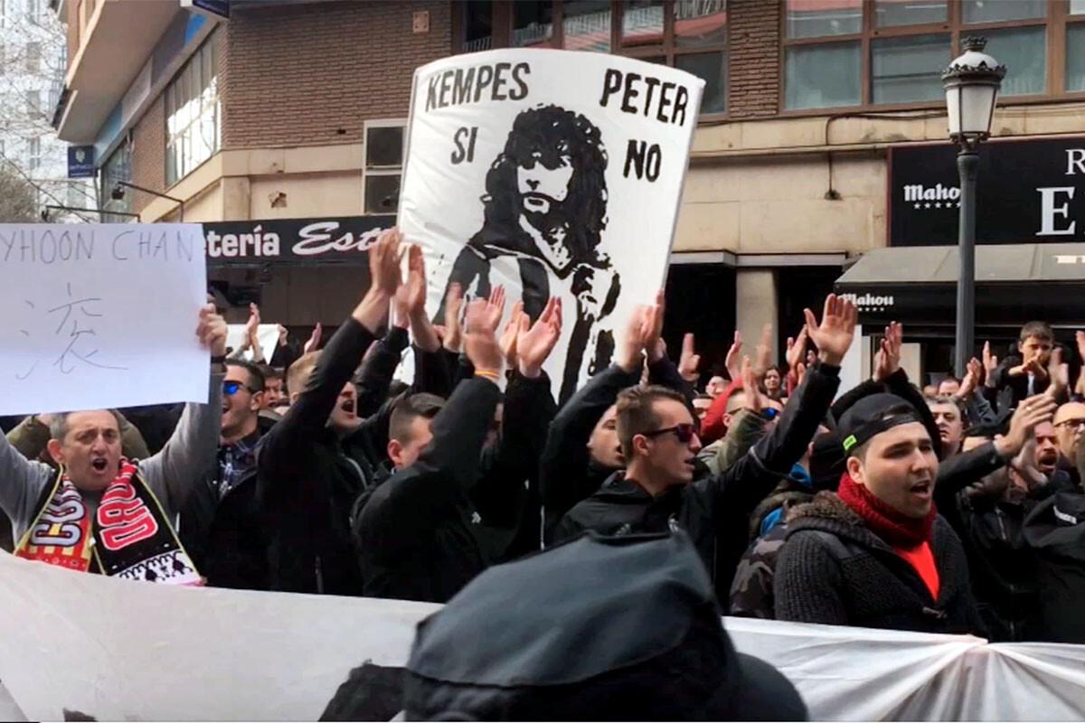Protestas Valencia CF Curva Nord