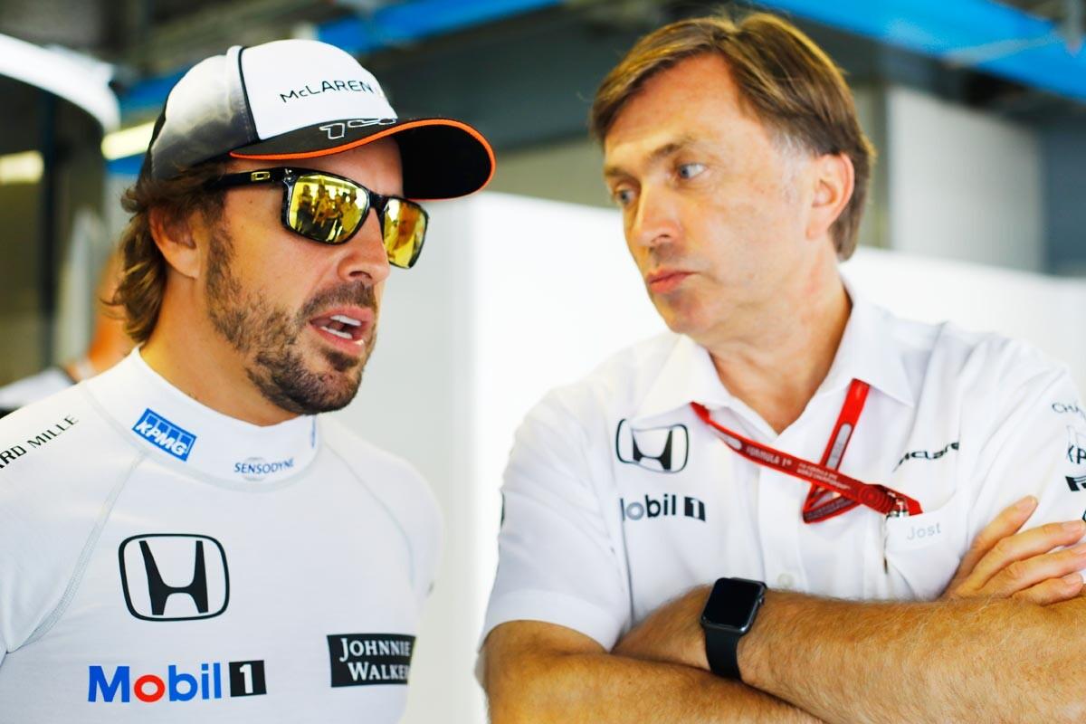 Fernando Alonso y Jost Capito