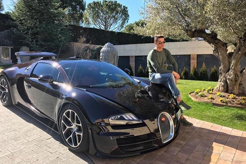 Cristiano Ronaldo y su Bugatti Veyron
