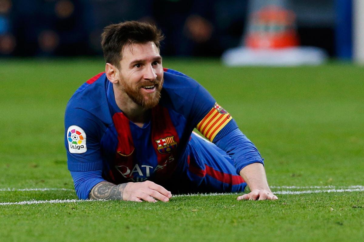 El padre de Messi regresa a Argentina sin oferta de renovación