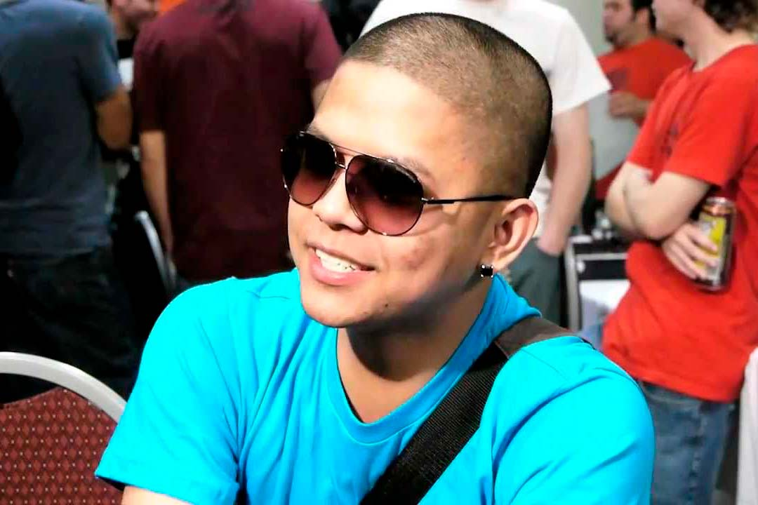Filipino Champ ficha por Splyce