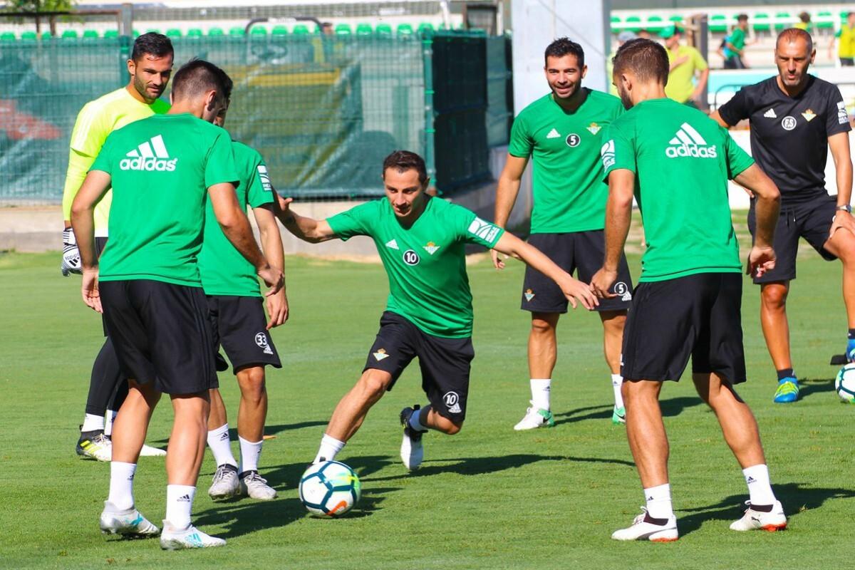 Guardado se entrena con el Real Betis