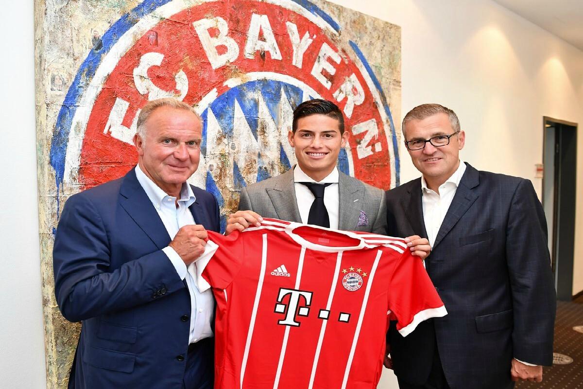 James presentado ene l Bayern Múnich