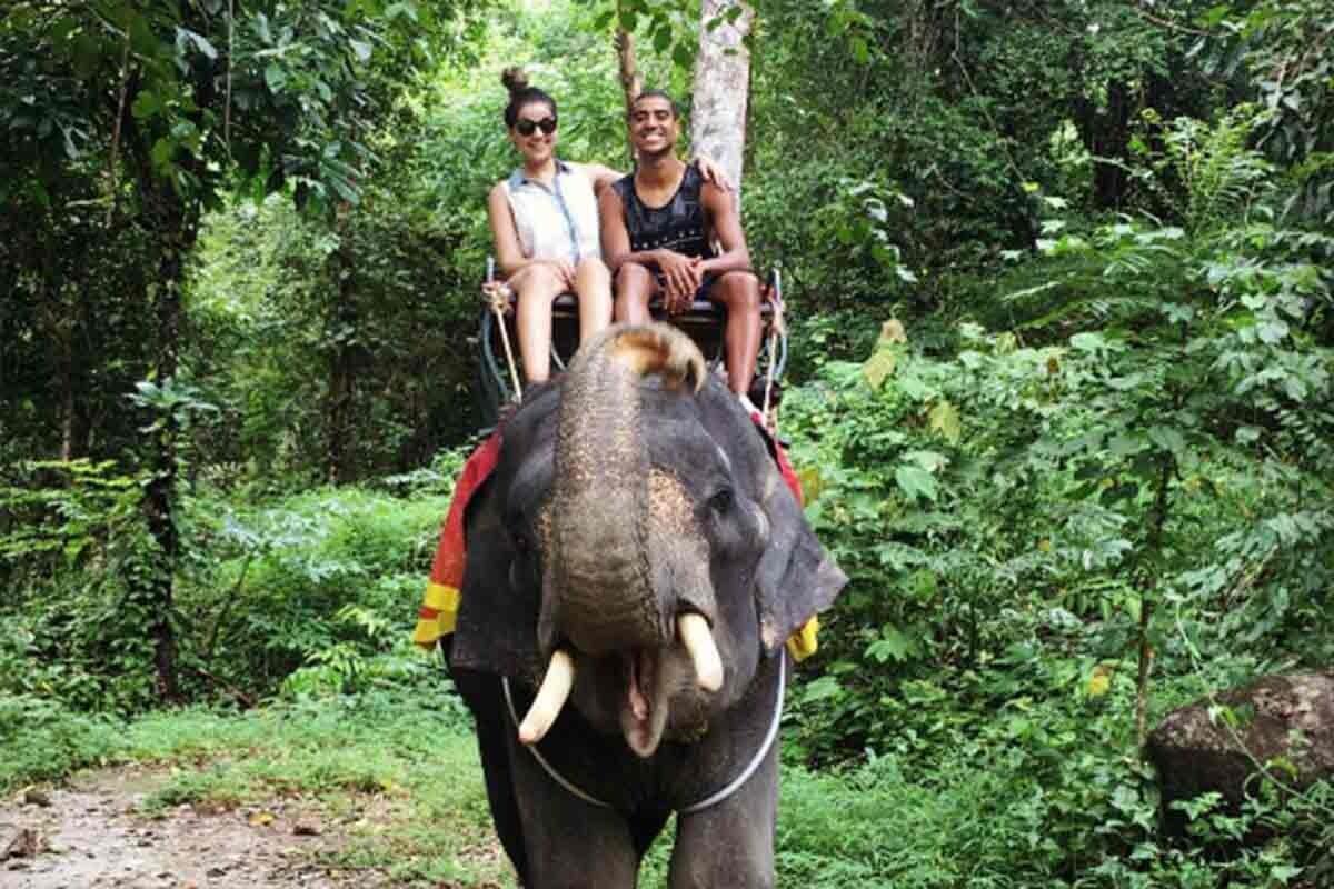 Alan sigue de vacaciones en Phuket