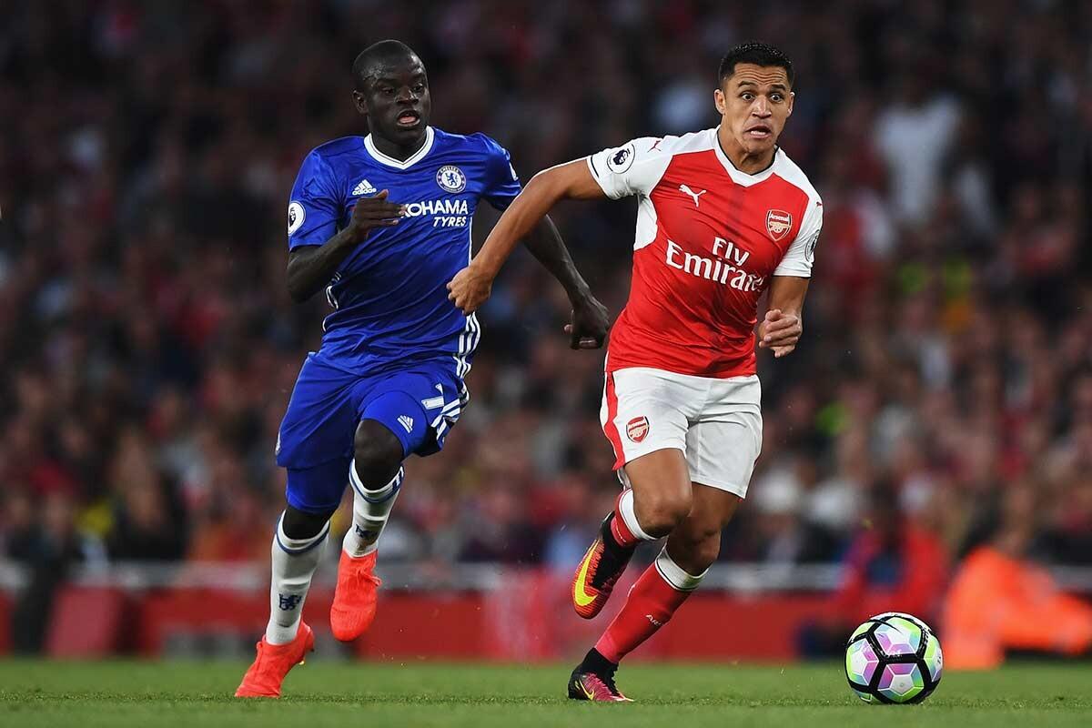 Alexis Sánchez y N'Golo Kanté, en el Arsenal vs Chelsea