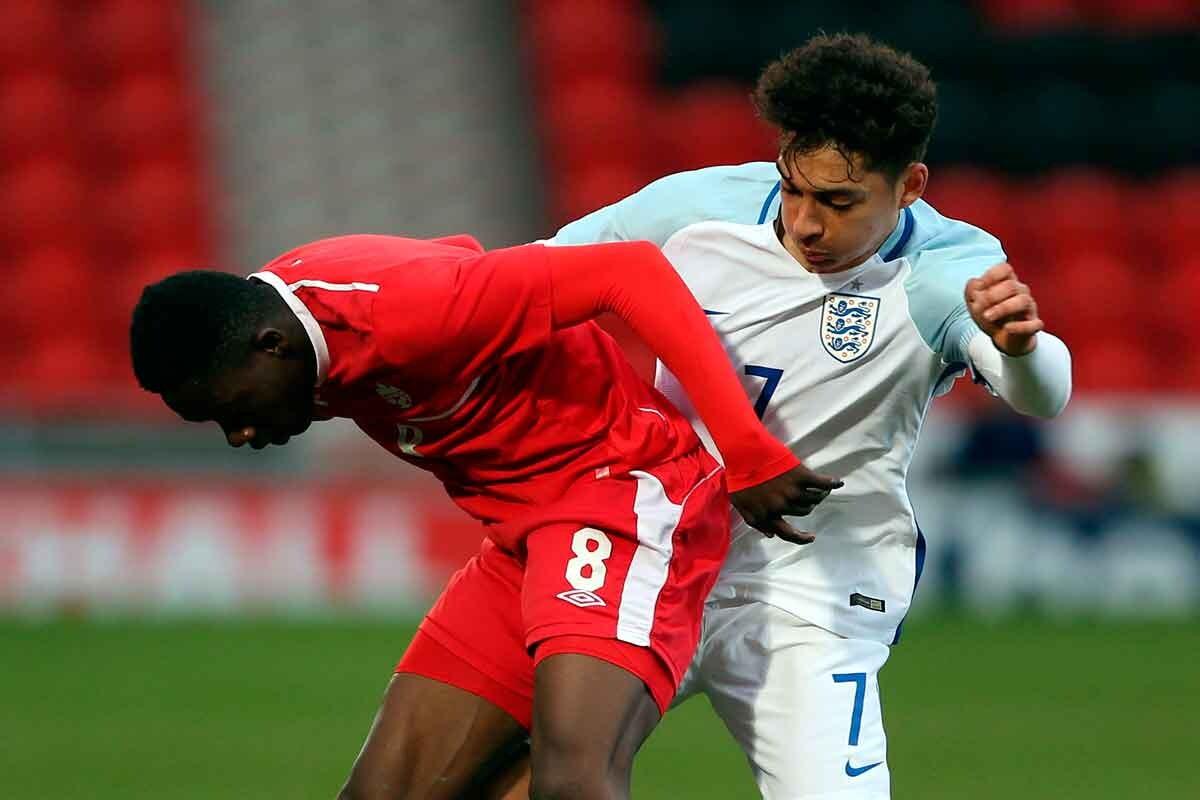 Davies debut con Vancouvert a los 15 años en la MLS