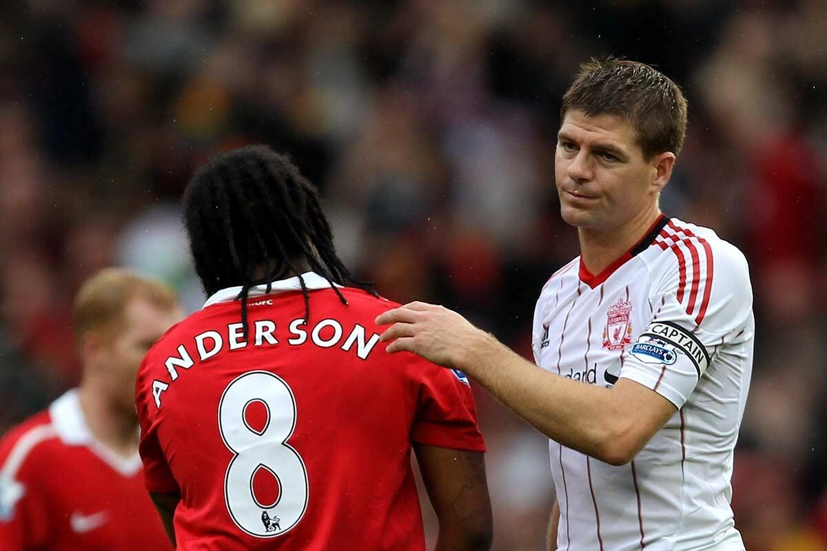 Anderson y Steven Gerrard