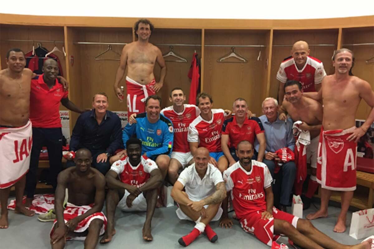 Arsenal de los Invencibles, en el vestuario del Emirates Stadium