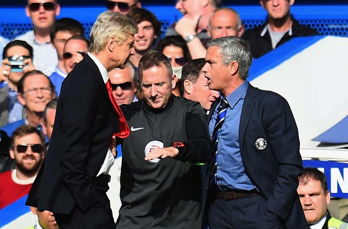 Enfrentamiento entre Arsene Wenger y Jose Mourinho, durante un Chelsea - Arsenal