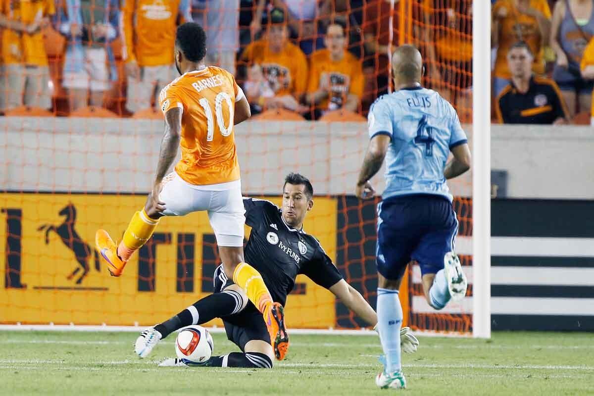 Dynamo y Kansas empate en pretemporada