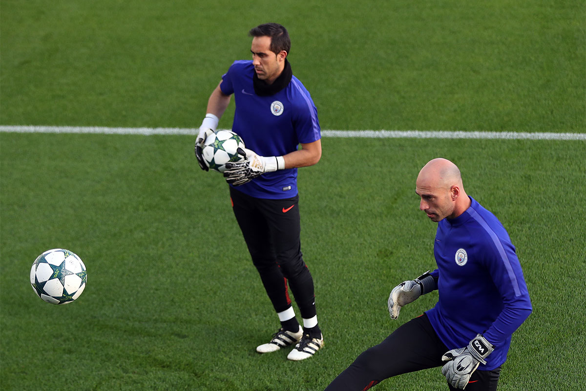 Claudio Bravo, Willy Caballero