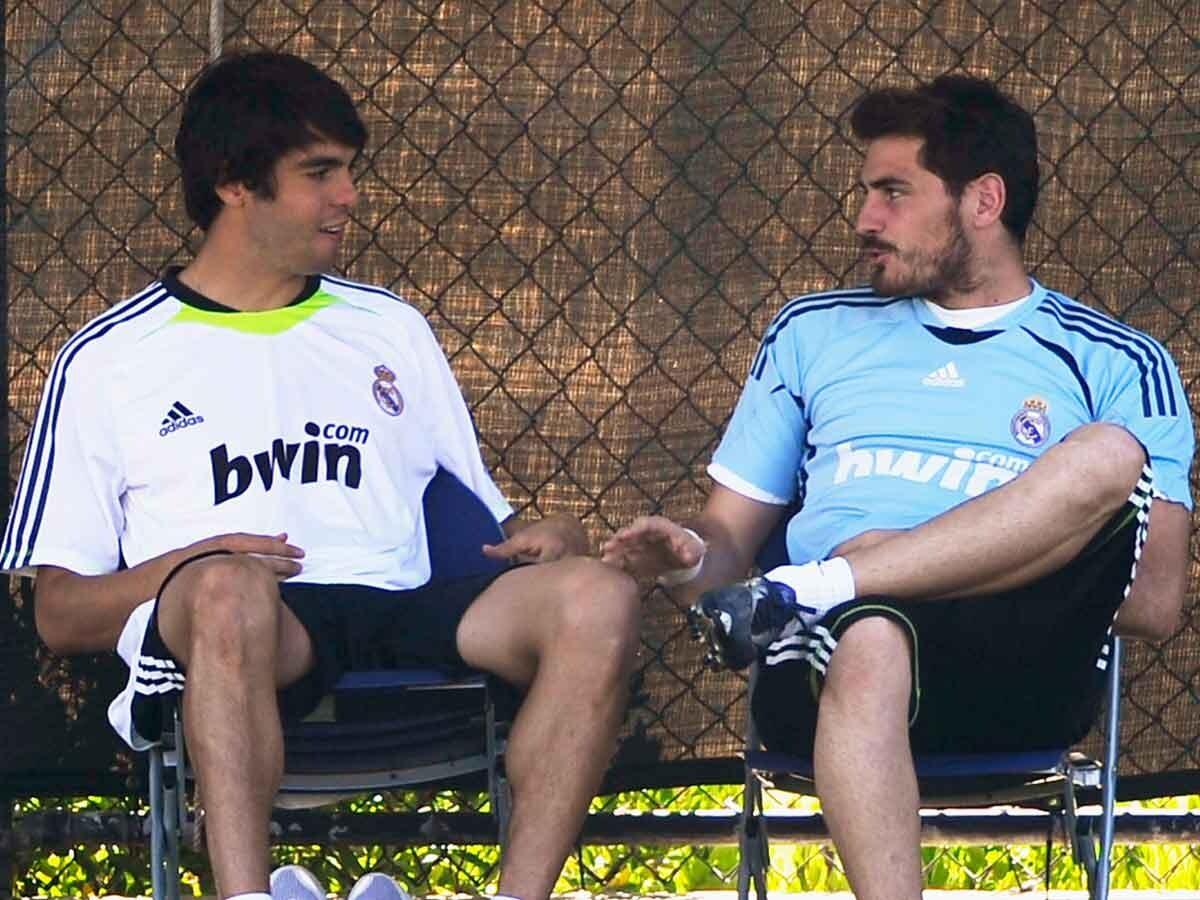 Iker Casillas y Kaka hablando juntos