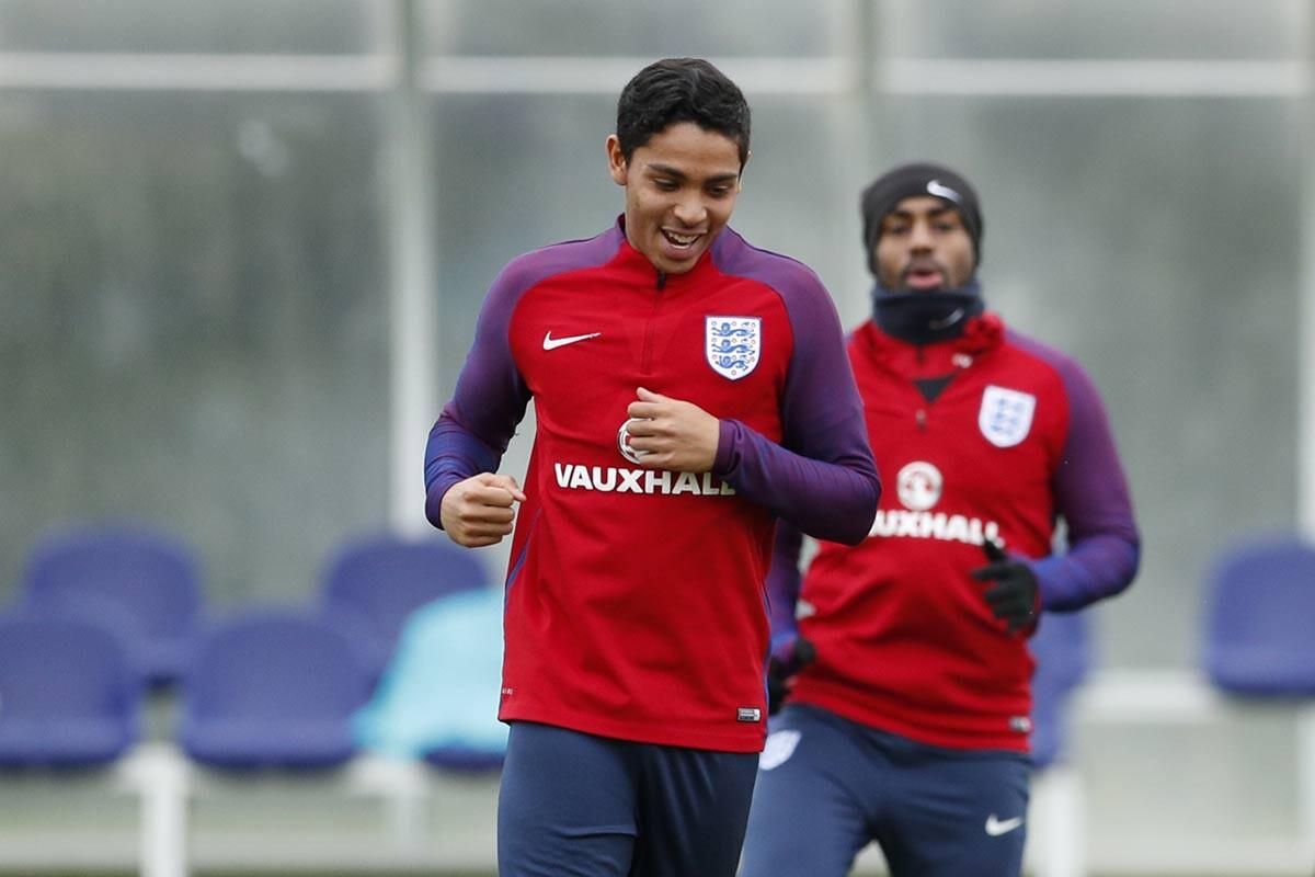 Dylan Duncan, entrenando con Inglaterra