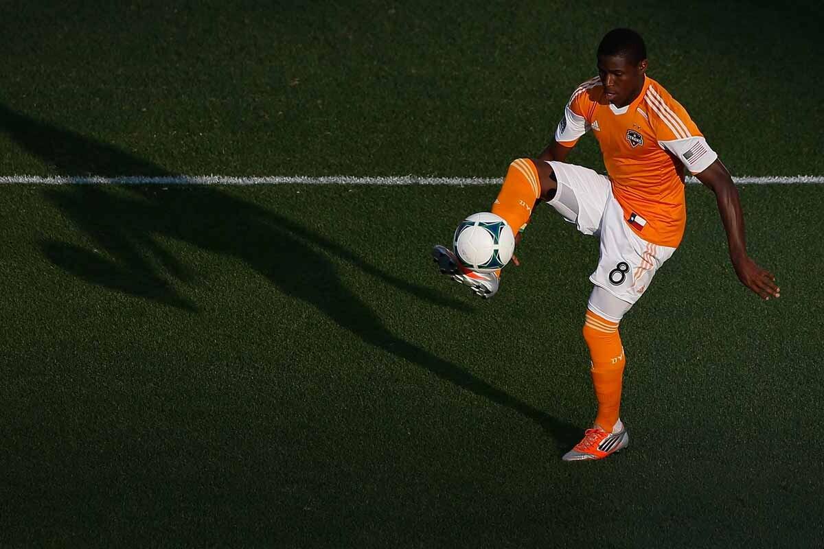 Kofi Sarkodie y Tally Hall tienen nuevo equipo
