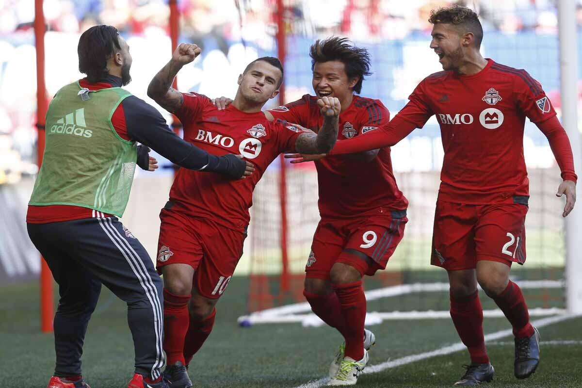 Toronto FC celebrando uno de los goles