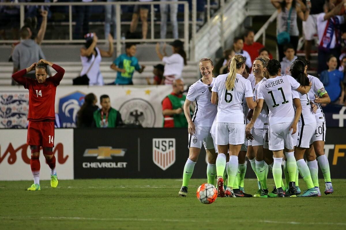 Cinco jugadoras de la Selección Femenina acusaron de discriminación salarial