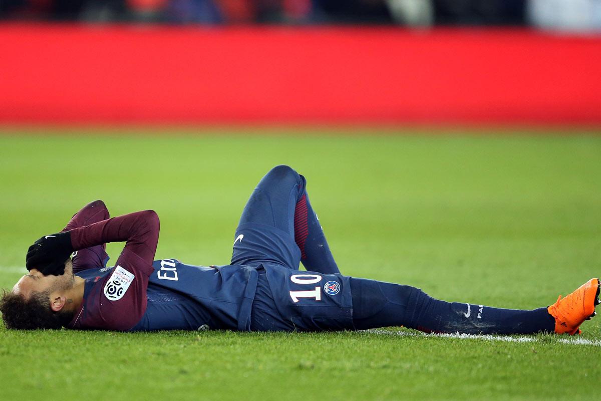 Neymar, triste por la derrota, pero más triste por no jugar - SPORTYOU  20minutos
