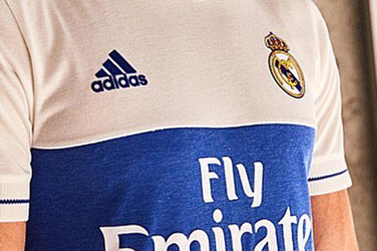 Camiseta Real Madrid Benzema
