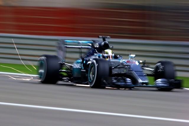 Hamilton, pole estratosférica en Bahrein