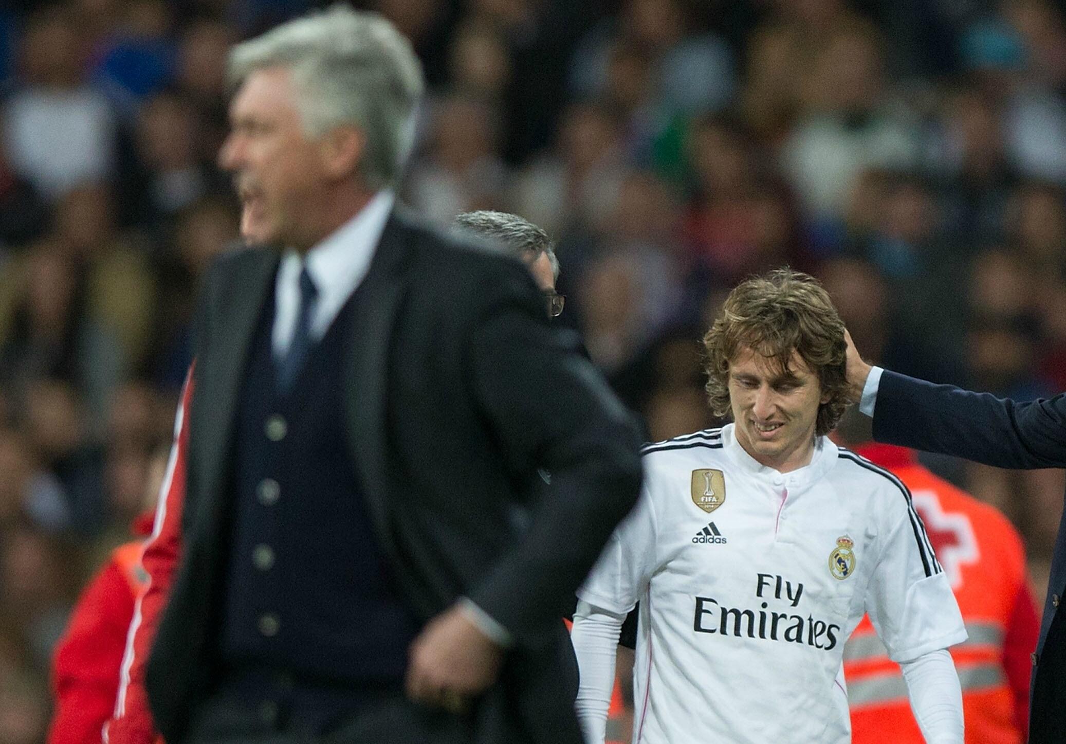 El médico de Croacia culpa a Ancelotti de la lesión de Modric
