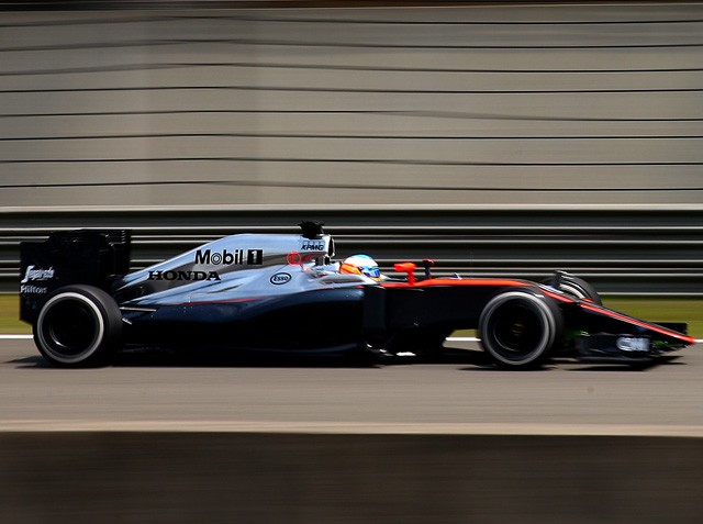 Alonso deja buenas sensaciones en los libres de China