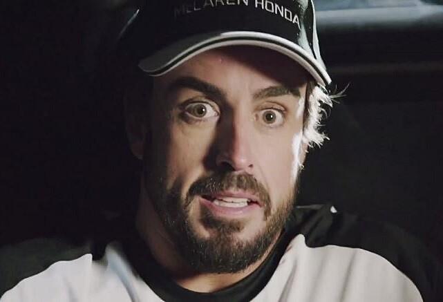 Alonso y Button parodian 'Regreso al futuro'