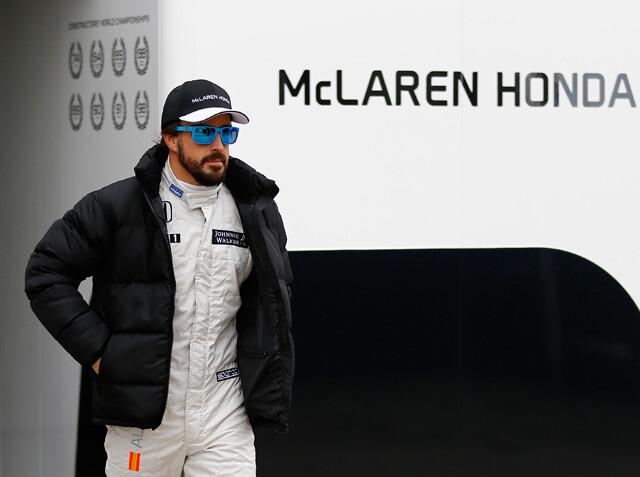Alonso se despertó hablando en italiano y creía que aún estaba en Ferrari