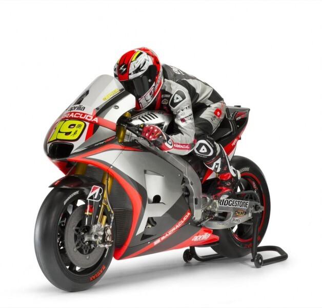 Bautista y Melandri encabezan el equipo Aprilia de MotoGP para 2015