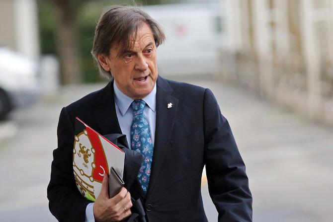 Detienen al ex presidente de Osasuna