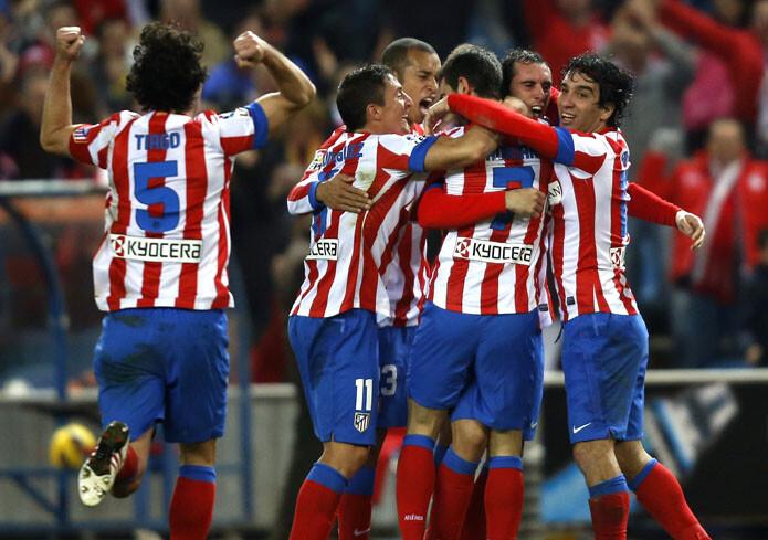 El Atlético celebra un gol de Adrián
