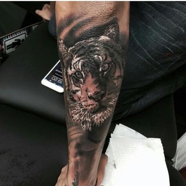 FOTO. El nuevo y realista tatuaje de Neymar