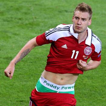 La Federación aparta a Bendtner de la selección durante seis meses
