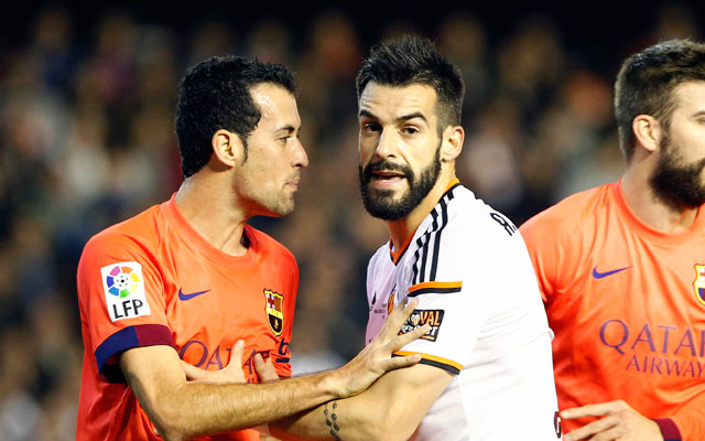 Busquets salva al Barça en el último suspiro
