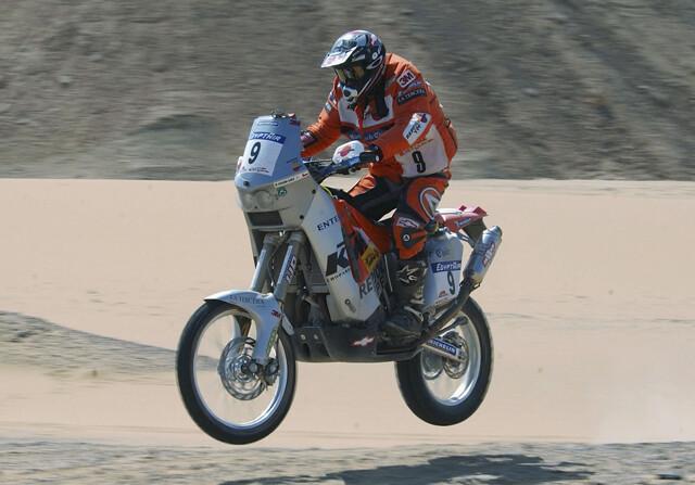 Muere Carlo de Gavardo, primer piloto chileno en el Dakar