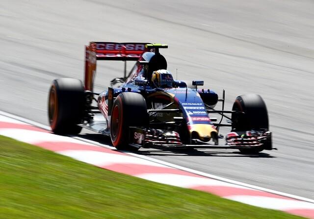 Carlos Sainz termina el día contento con su coche
