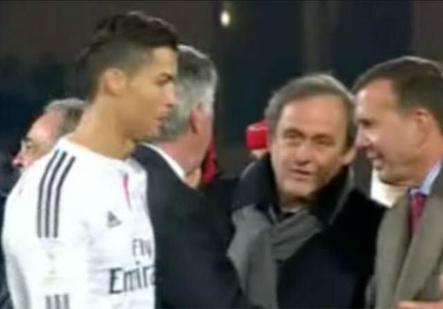 Cristiano Ronaldo saludó a Platini al principio y le evitó al final